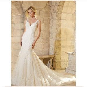 NEVER WORN! Mori Lee style #2773 Wedding Dress